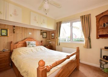 Thumbnail 2 bed mobile/park home for sale in Durford Road, Petersfield, Hampshire