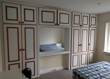 Thumbnail 5 bed semi-detached house to rent in Selborne Gardens, Hendon