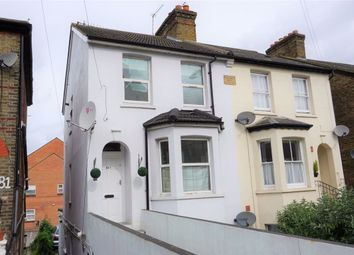 2 bed maisonette to rent in Stoke Road, Slough SL2