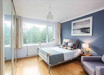 Room to rent in Dover Court, Southgate Road, London N1