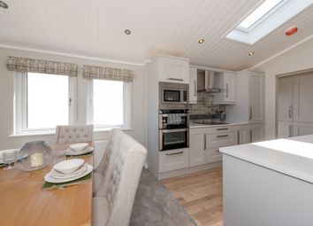 The Beach, Clevedon BS21. 2 bed detached bungalow