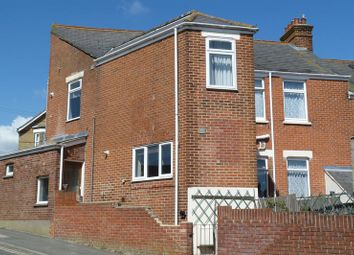 Thumbnail 1 bed flat to rent in Alexandra Road, Cowes