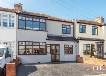 4 bed end terrace house for sale in Chestnut Glen, Hornchurch RM12