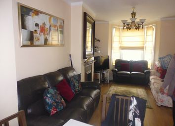 3 bed terraced house to rent in Graveney Road, Tooting Broadway SW17