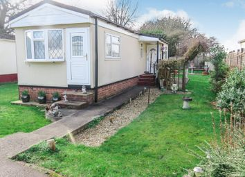 Thumbnail 1 bed mobile/park home for sale in Belgrave Drive, Kings Langley