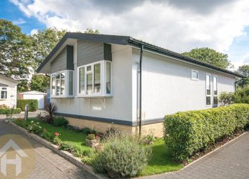 Thumbnail 2 bed mobile/park home for sale in North Drive, Blunsdon, Swindon