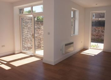 Thumbnail 2 bed flat to rent in Stratford Road, Aigburth