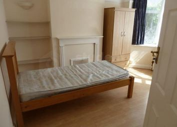 4 bed shared accommodation to rent in Dirdene Gardens, Epsom, Surrey KT17