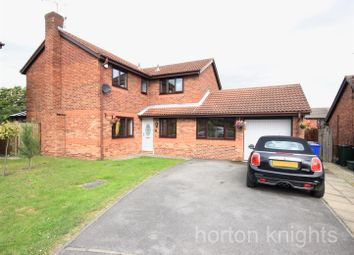 Thumbnail 4 bed detached house for sale in Fairford Close, Cantley, Doncaster