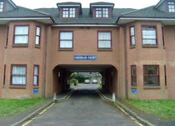 Thumbnail 2 bed flat to rent in Netley Street, Farnborough