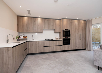 3 bed flat for sale in Woodlands, London NW11