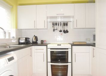 Thumbnail 1 bedroom flat to rent in Kimberley Close, Langley, Slough