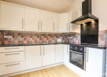 Thumbnail 2 bed flat to rent in Carnarvon Road, London