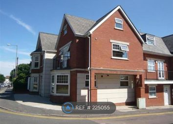 Thumbnail 1 bed flat to rent in Victoria Street, High Wycombe