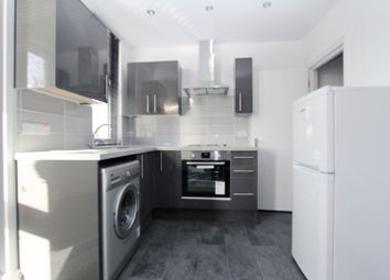 Thumbnail 4 bed flat to rent in Buckingham Road, London