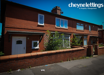 3 bed semi-detached house to rent in Edge Lane Road, Oldham OL1