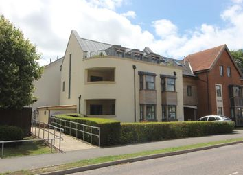 Oaks Road, Tenterden TN30. 2 bed flat