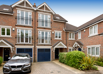 3 bed town house for sale in Lancaster Gardens, Bromley BR1