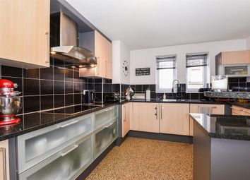 Thumbnail 3 bedroom flat for sale in Centenary House, The Avenue, York