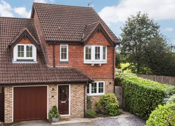 Thumbnail 4 bed detached house for sale in Lincolns Mead, Lingfield