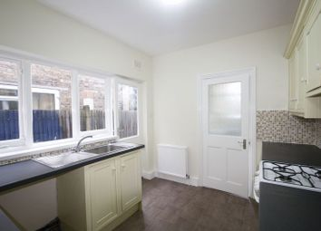 Thumbnail 1 bed flat to rent in Fleeming Road, Walthamstow