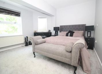 Thumbnail 2 bed flat to rent in Woodford Road, Watford