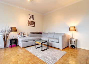 3 bed maisonette to rent in John Parry Court, Hare Walk, Shoreditch N1