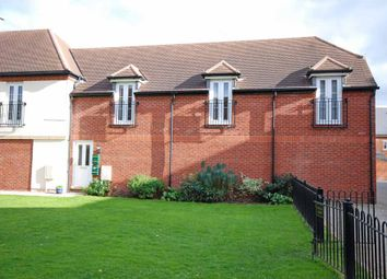 2 bed end terrace house to rent in Curie Mews, Exeter EX2