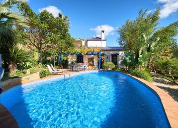 Thumbnail 2 bed country house for sale in Estepona, Málaga, Spain