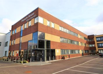 Thumbnail Room to rent in Pinnacle House, Home Park Mill Link, Kings Langley, Hertfordshire