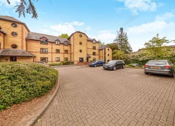 Thumbnail 2 bedroom flat for sale in Brooklands Court, Hatfield Road, St.Albans