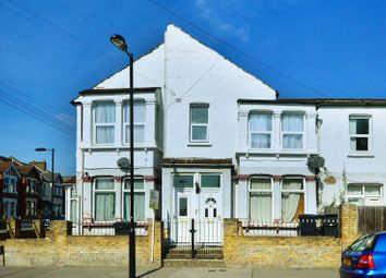 Thumbnail 2 bed flat to rent in Werndee Road, Norwood