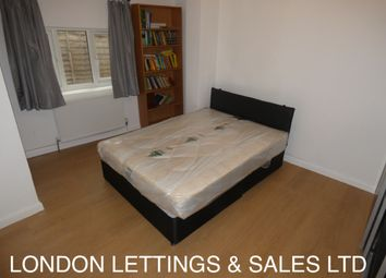 Thumbnail 3 bed flat to rent in Pollards Hill West, Norbury