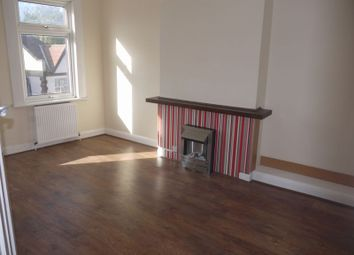 Thumbnail 3 bed flat to rent in East Barnet Road, New Barnet, Barnet