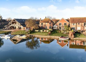 Thumbnail 3 bed property to rent in Kingfisher Close, Abingdon