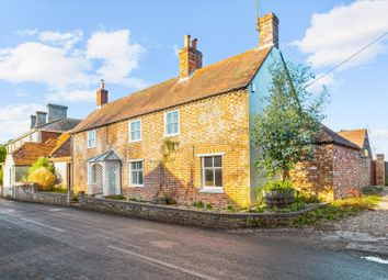High Street, Kintbury, Hungerford, Berkshire RG17. 4 bed detached house for sale
