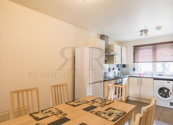 Thumbnail 3 bedroom flat to rent in Pedworth Gardens, London