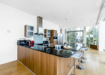 2 bed flat for sale in Western Gateway, Docklands E16