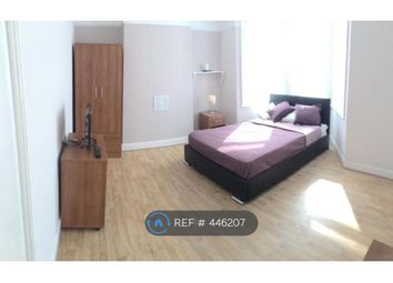 Thumbnail Room to rent in Waldeck Grove, London
