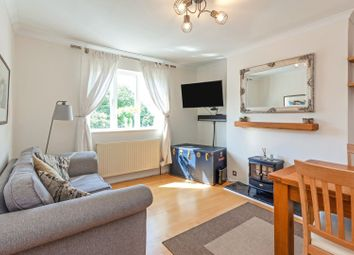 Thumbnail 1 bed flat for sale in Grafton Square, Clapham