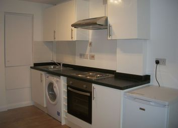 Thumbnail 1 bedroom flat to rent in Chipstead Valley Road, Coulsdon