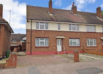 2 bed maisonette for sale in Chelmsford Avenue, Romford, Essex RM5