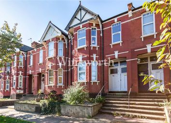 Thumbnail 3 bedroom flat to rent in Hillview Gardens, London