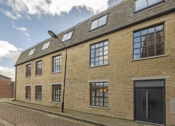 Thumbnail 2 bed flat for sale in Felgate Mews, Studland Street, London
