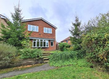 4 bed property for sale in Lilyville Walk, Rayleigh, Essex SS6