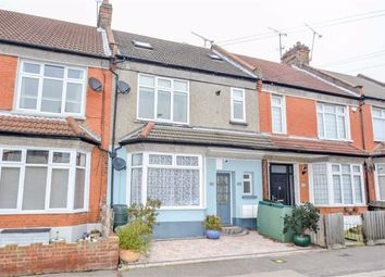 Thumbnail 4 bed flat for sale in Glendale Gardens, Leigh-On-Sea, Essex
