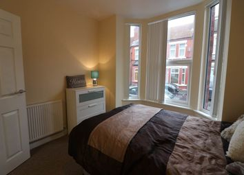 Room to rent in Earlesmere Avenue, Balby, Doncaster DN4