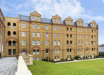 Thumbnail 3 bed flat for sale in Ingham Court, 4A Holborn Close, Mill Hill