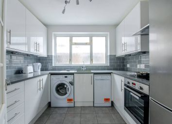 Thumbnail 2 bedroom flat to rent in Shepherds Hill, Highgate