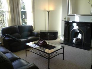 Thumbnail 1 bed flat to rent in South Park, Sevenoaks
